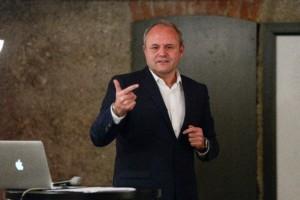Über Hans-Peter Kleebinder